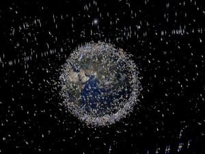 Terra envolta em satélites